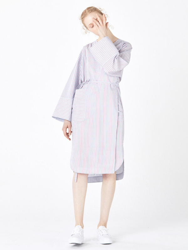 No-collar Strap Robe / Red stripe