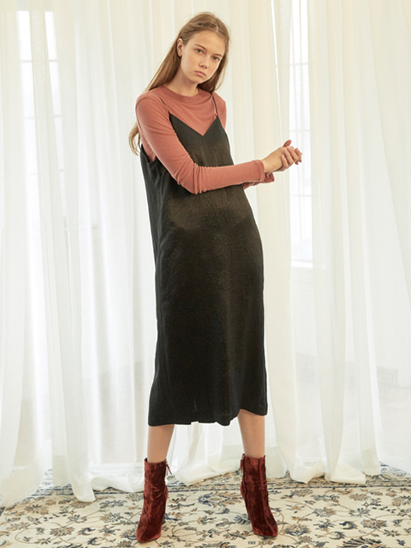 Wrinkle Slip Dress / Black