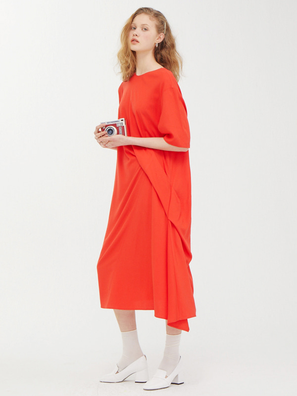 Clean Drape Dress / Red