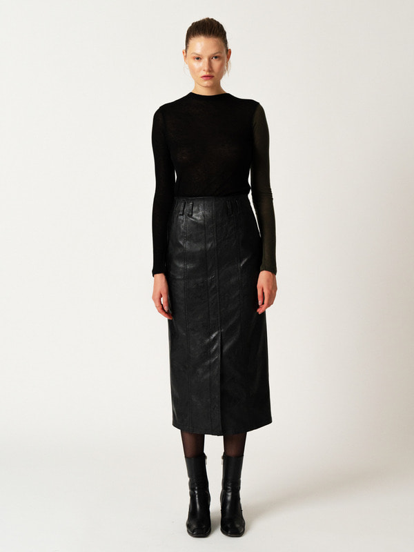 [12월 17일 예약발송] Blocking Sheer T + Leaher Stitch Skirt