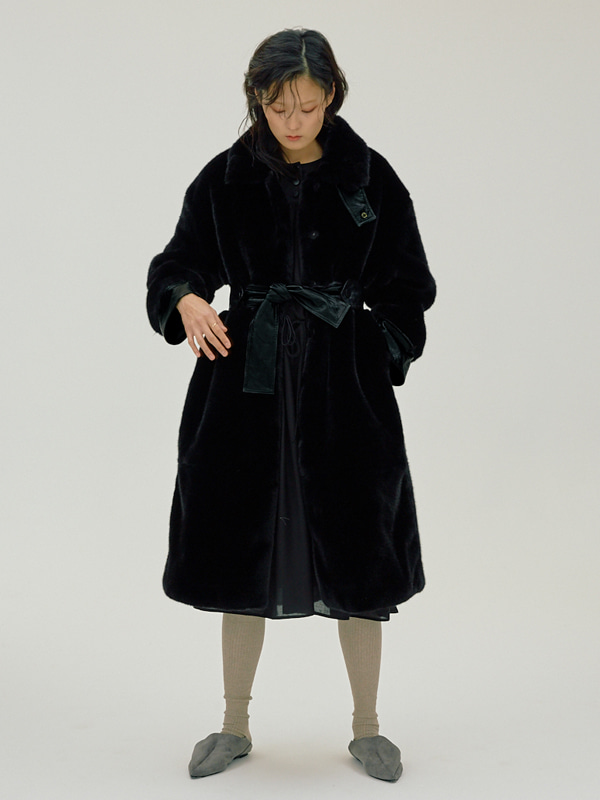 Eco Fur Belted Coat / Black