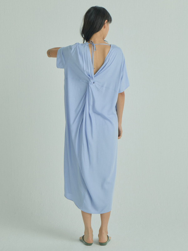 Tender Twist Dress / Light Blue