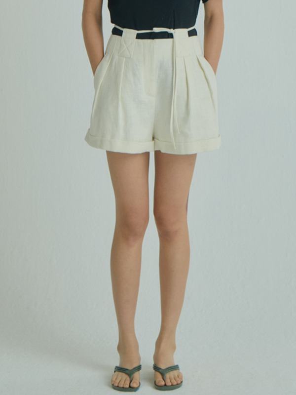 Tunnel Belt Shorts / Ivory