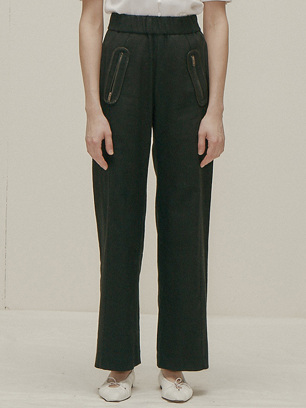 Round Pocket Trousers / Black