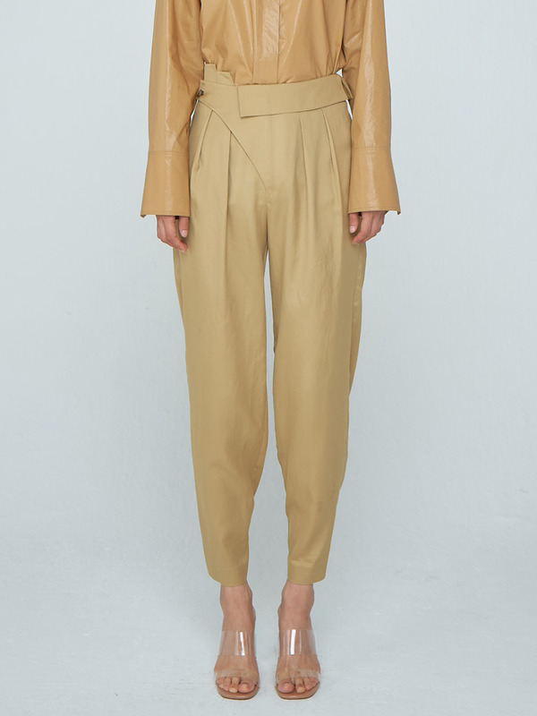 Unbalance Tuck Trousers_Gold